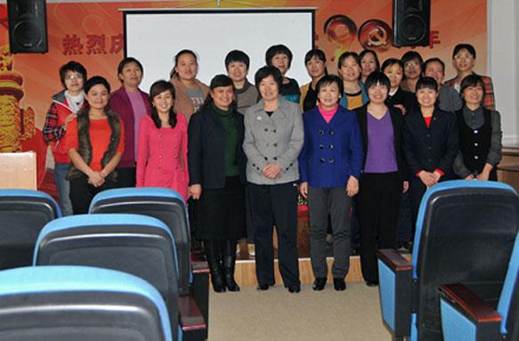 2013年3月8日,裕华公司组织多样活动喜迎三八
